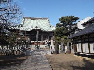Приятная обстановка храма