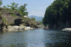 Le long de la rivière, de très beaux paysages