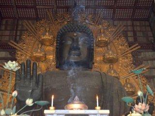 Đức phật Daibutsu tại Todaiji