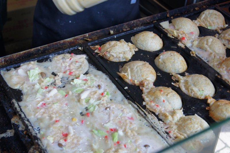 Food galore in otaru hokkaido japan travel japan for Food bar sakinaka