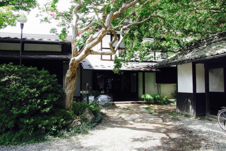 Biwa no Yu, Asama Hot Springs