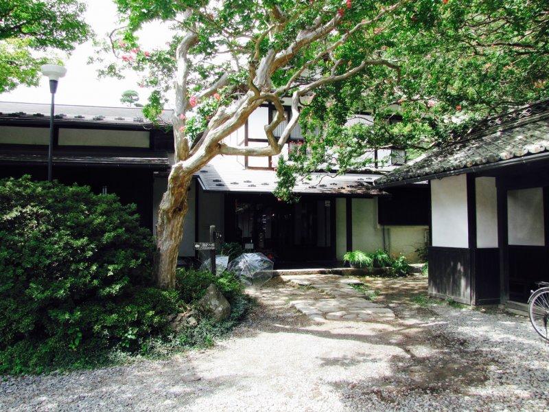 บิวะ โนะ ยุ (Biwa no Yu) ในอะสะมะ ออนเซ็น (Asama Onsen)