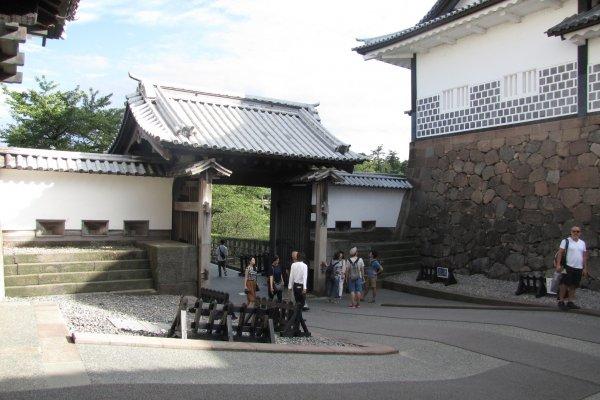 Ishikawamon gate entrance