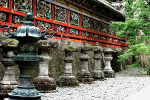 Stone Lanterns at Tōshō-gu