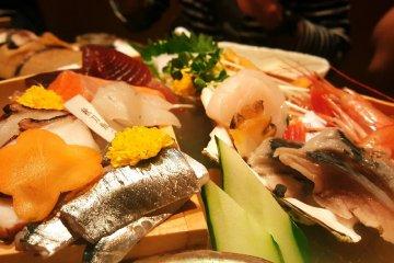 魚屋三代 彥藏所提供的新鮮魚產