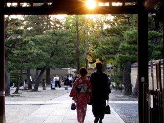พระอาทิตย์ตกดินในเกียวโต