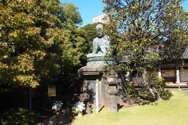 เดินชมยะเนะเซ็นในโตเกียว