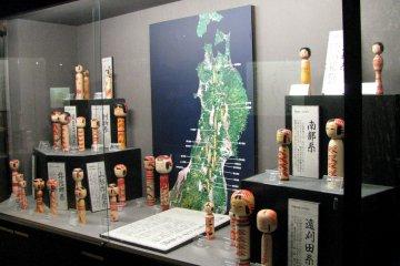 В музее экспонируются образцы кокэси местного стиля