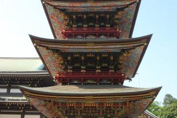 разноцветная, яркая пагода