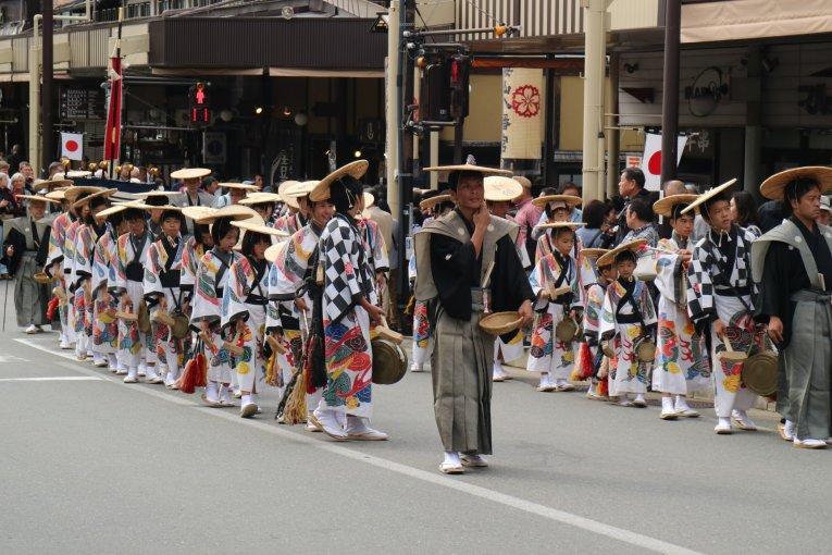 Осенний фестиваль Такаяма