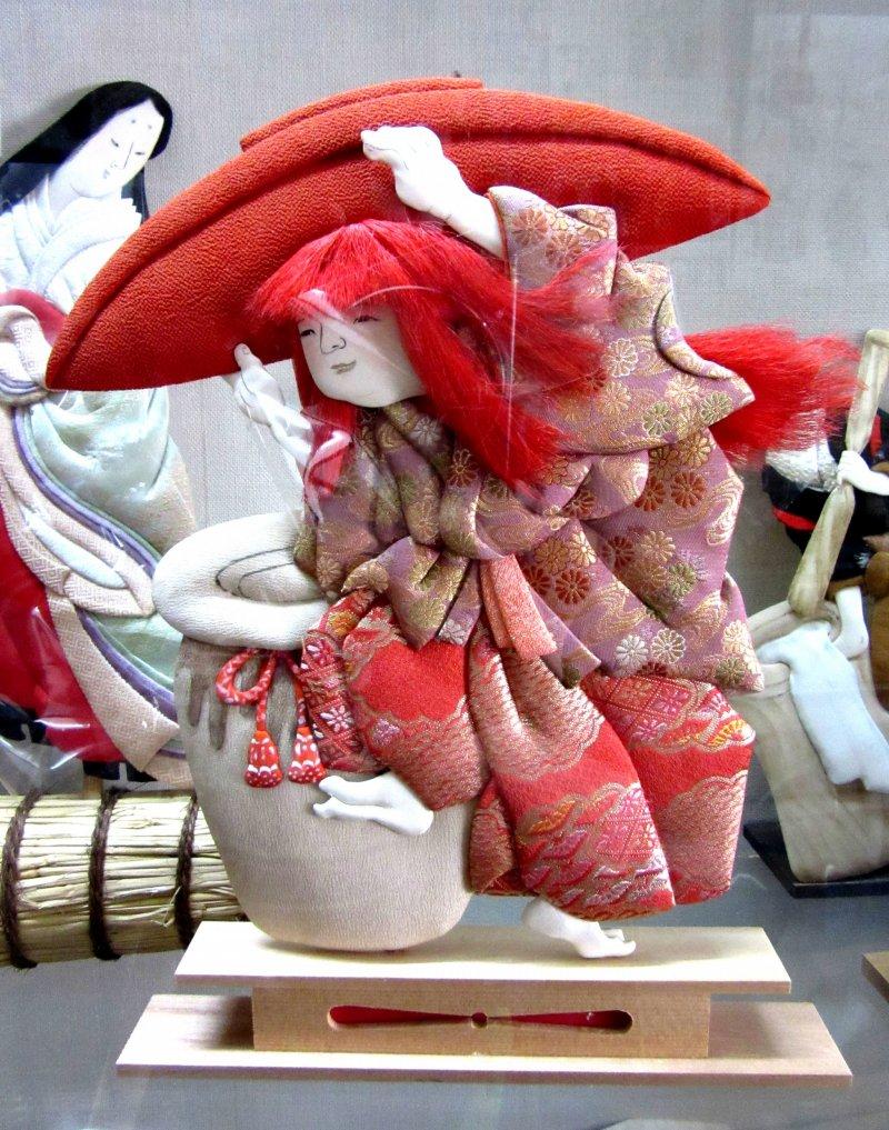 Кукла осиэ из коллекции Мимура