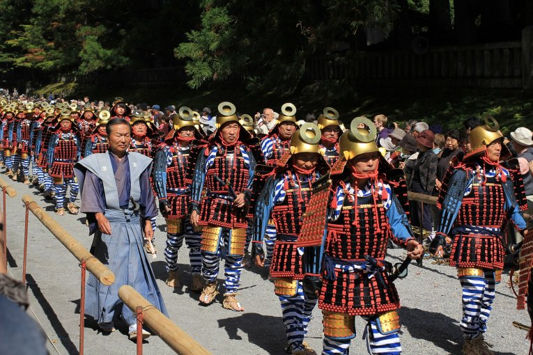 เทศกาลฤดูใบไม้ร่วงที่ศาลเจ้าโทะโชะกุแห่งนิกโกะ