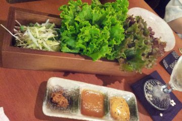 Samgyeopsal-type fixings for the meat