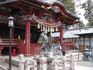 Yakuoin temple is beautifully decorated and bright