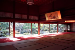The 120 tatami room, dedicated to arts.