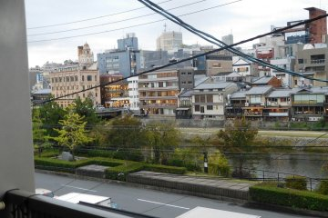 Jam Hostel & Sake Bar