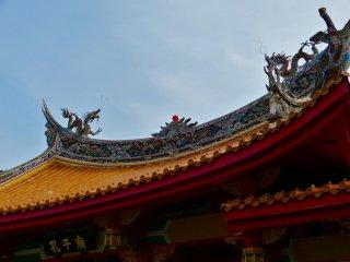 儀門(正門)の屋根