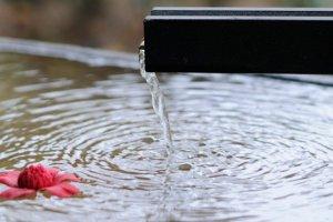الاسترخاء مع الماء الدافئ