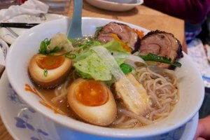 Ittetsu Ramen: note the thickly sliced and nearly perfect chashu (pork belly)