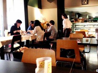 Cafe de Take at Harajuku Bell Pier