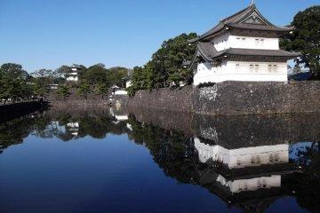 Восточный сад Императорского Дворца в Токио