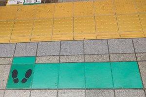 Theo đường gạch xanh