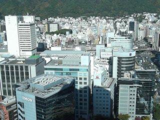 神戸市中心部、繁華な三宮地区