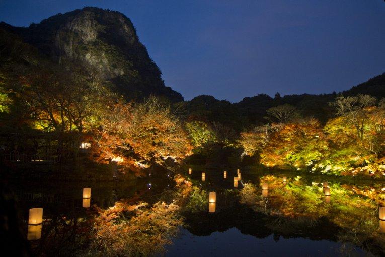 งานประดับไฟฤดูใบไม้ร่วงที่สวนมิฟุเนะยะมะ