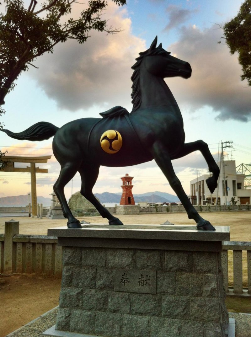 This shrine to the god of war Hachiman is very close to the Seto Inland Sea. It features an unusual brick lantern