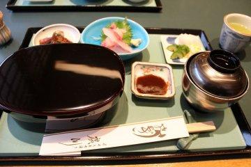 장어 덮밥 정식(¥3900)!