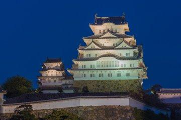 Himeji Castle illuminated on a clear night