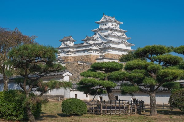 It\'s easy to see why Himeji Castle is also called the White Heron Castle!