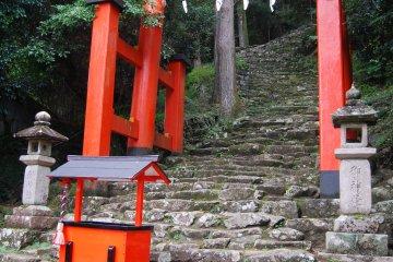 Steep steps up to Kamikura Shrine