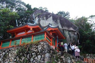 Big rock at Kamikura Shrine