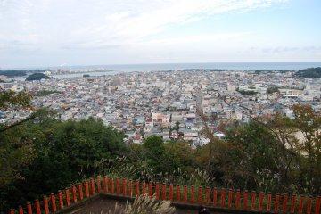 View over Shingu from Kamikura Shrine