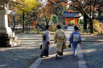 A trio of kimono ladies
