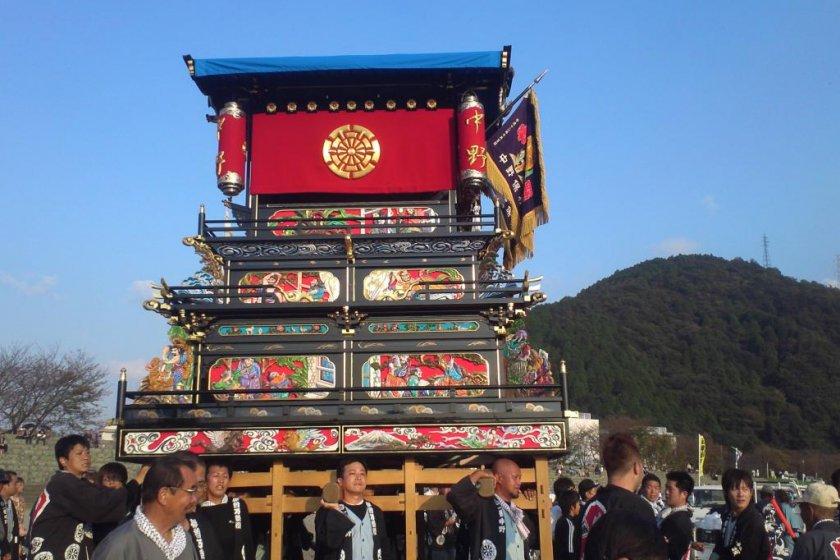 Festival lori besar di Festival Saijo