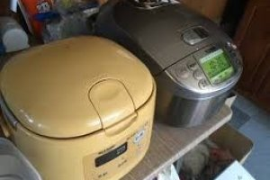 The good old rice-cookers, almost always filled with delicious Koshihikari rice from Niigata, waiting to be devoured!