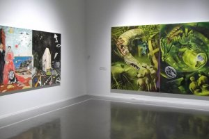 The size of the galleries allows you to view large canvases from far enough to appreciate them properly