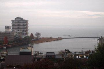 교토 인근 오고토 온센 호수