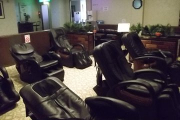 <p>The massage chairs in the relaxation area</p>