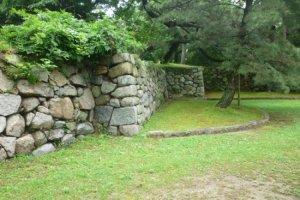 The central bailey's walls of Yoshida Castle