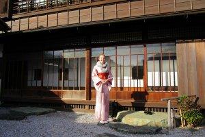 Kimono experience at Yotsuji no Saika