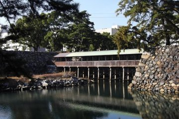 The Sayabashi Bridge, the only crossing of the inner moat