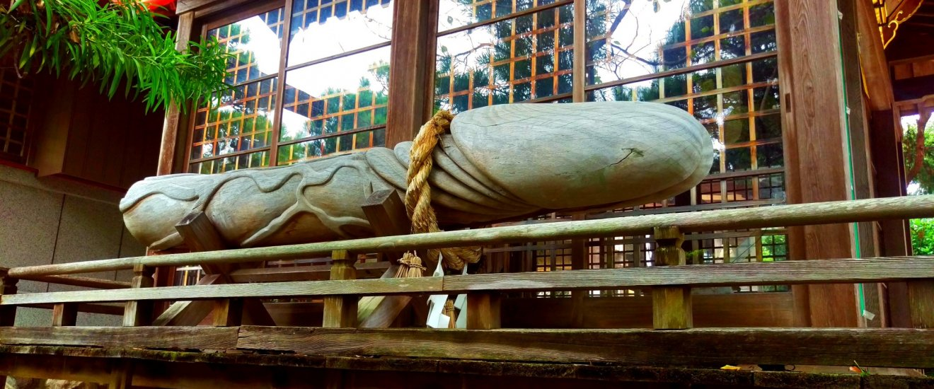 The shrine\'s biggest and most famous wooden carving