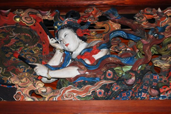 Carvings of local beauties at Eirinji temple