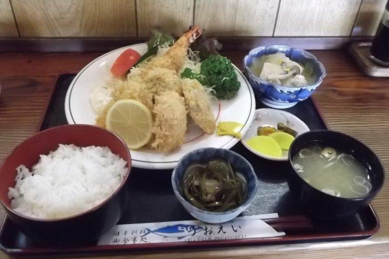 Rumah makan Uo-Ei di Ooya