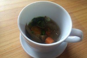 根野菜のスープ、健康に良さそうだ。