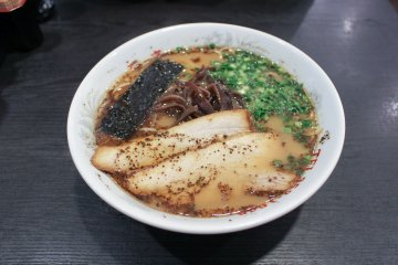 Kumamoto-style ramen with fried garlic signature topping