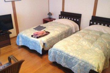 <p>ในวิลล่ามีห้องนอนสไตล์ตะวันตกด้วย</p>